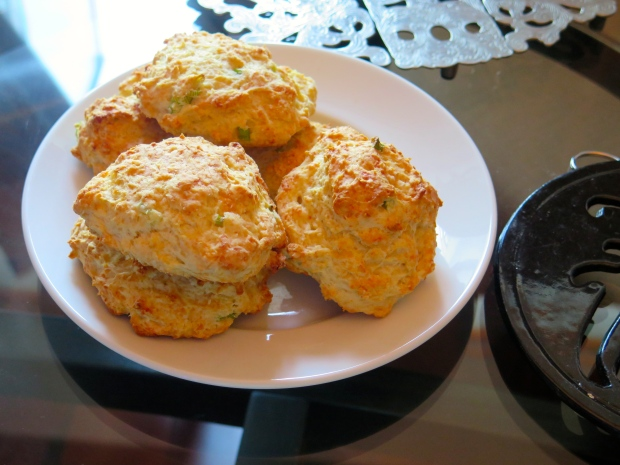 cheddar scallion biscuits