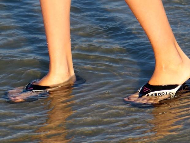 flip-flops on, off, who cares?