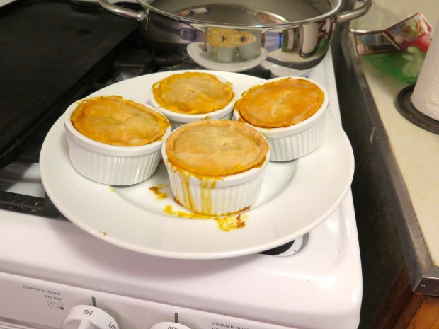 Mini pies with the excess curry and crust